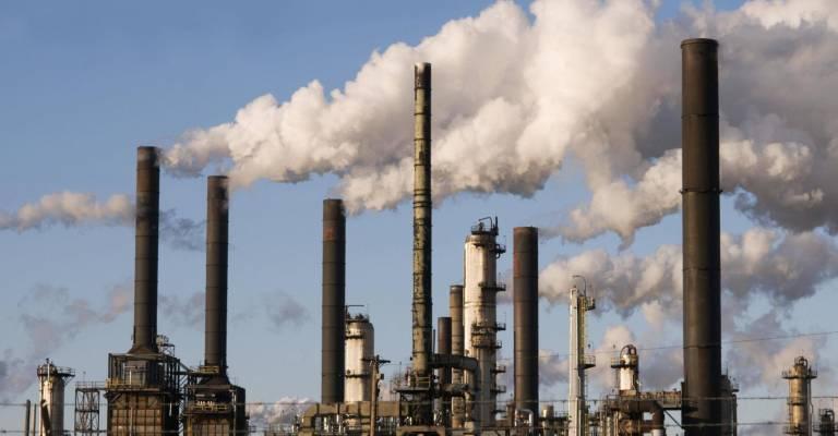 Fabriek met veel uitstoot